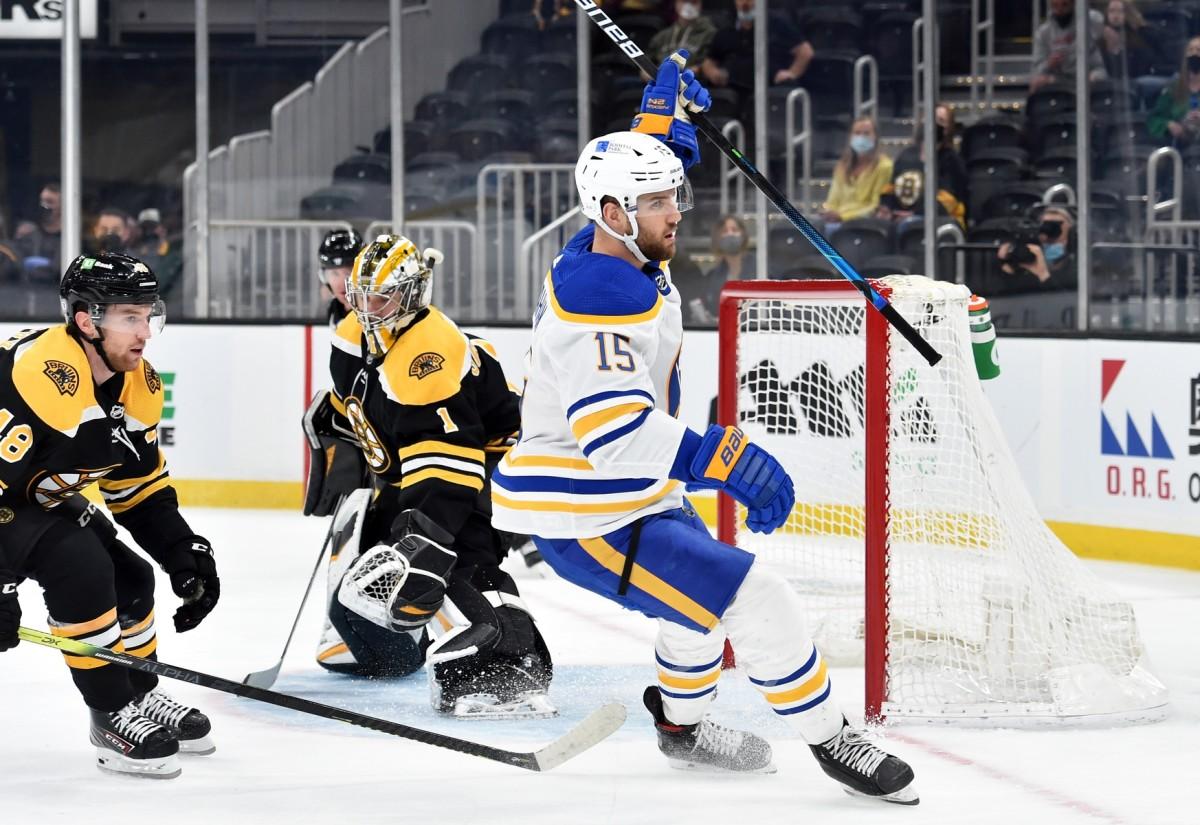Riley Sheahan. Photo byBob DeChiara-USA TODAY Sports.