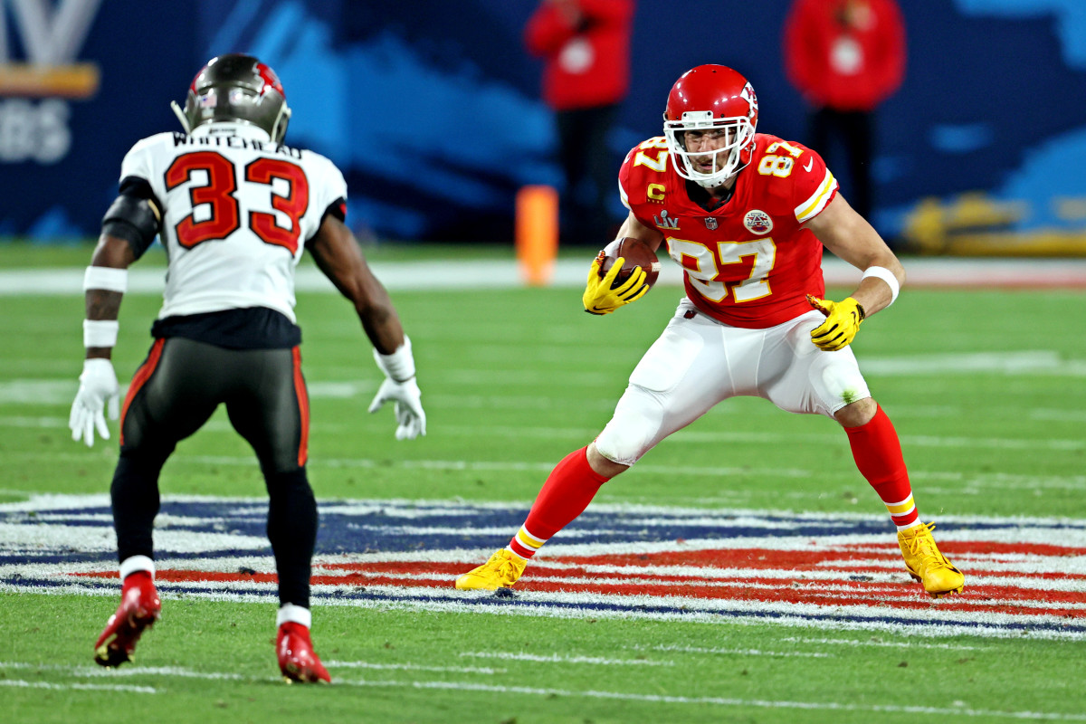 Travis Kelce is one of Patrick Mahomes's favorite targets; he is the unquestioned top fantasy tight end.