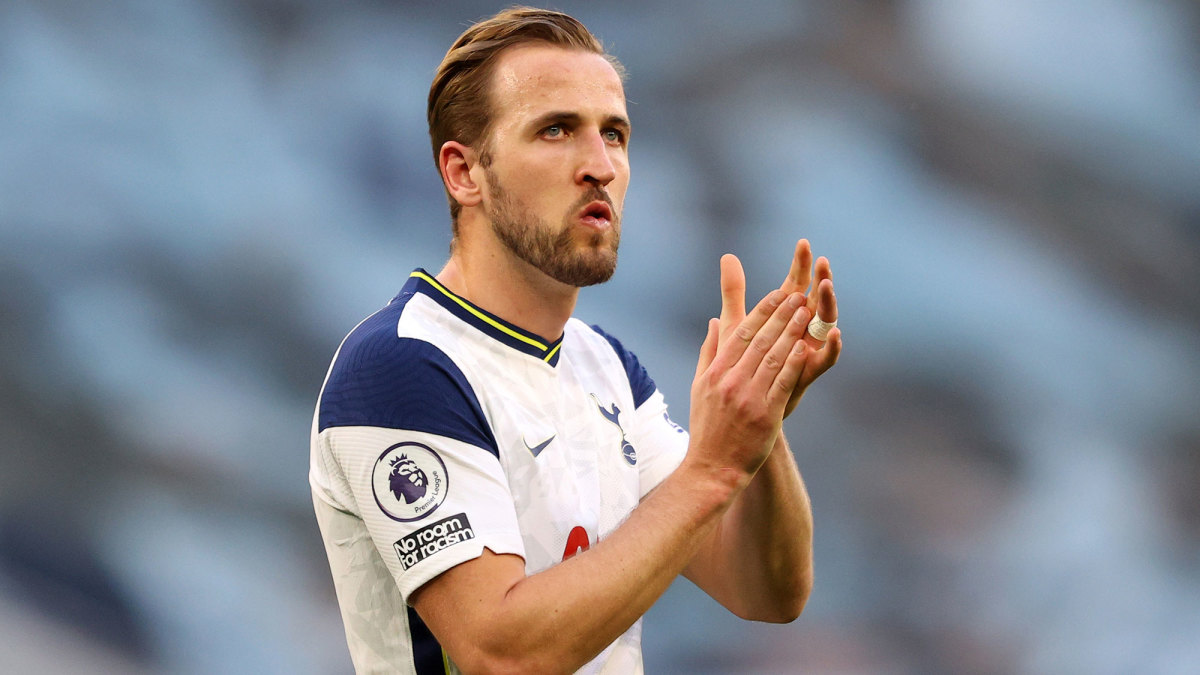 Harry Kane clapping