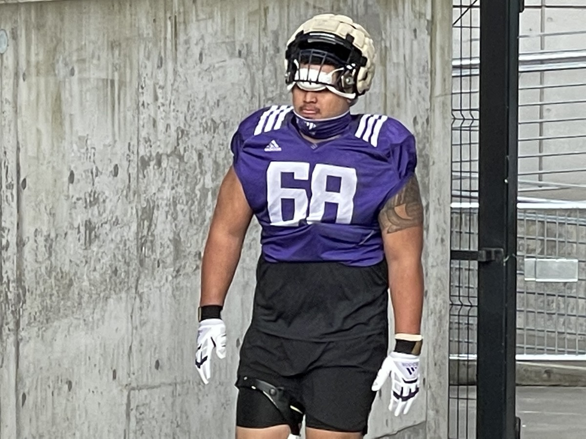 Ulumoo Ale is the incumbent left-guard starter, now in a three-way battle for the job.