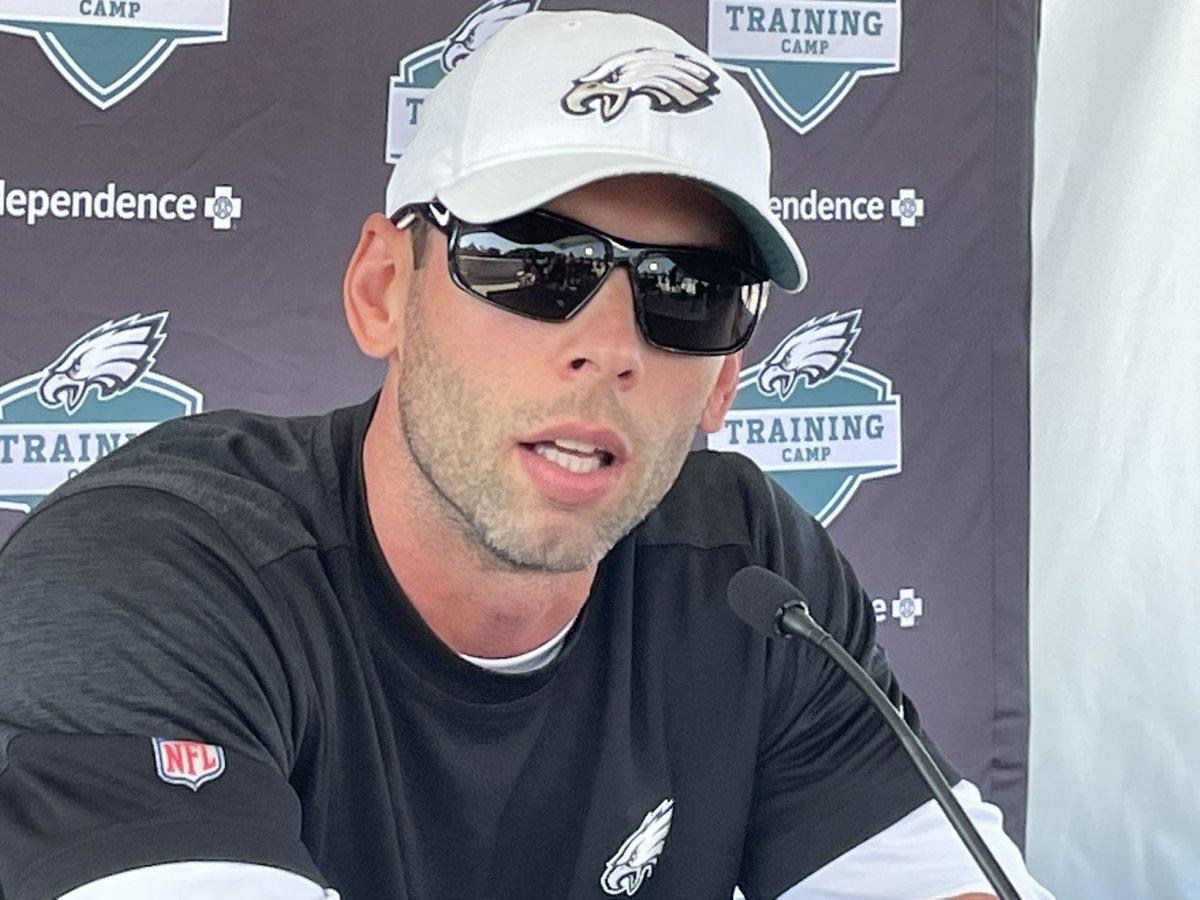 Jonathan Gannon speaks before Eagles-Jets joint practice