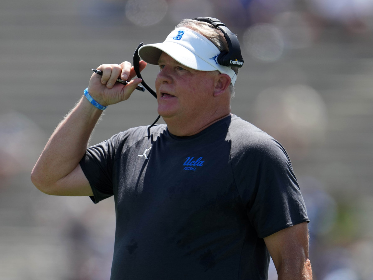UCLA Bruins head coach Chip Kelly reacts in the first half against the Hawaii Rainbow Warriors at Rose Bowl.
