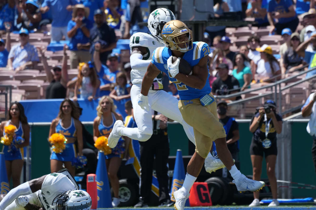 Zach Charbonnet takes home Maxwell Award Player of the Week