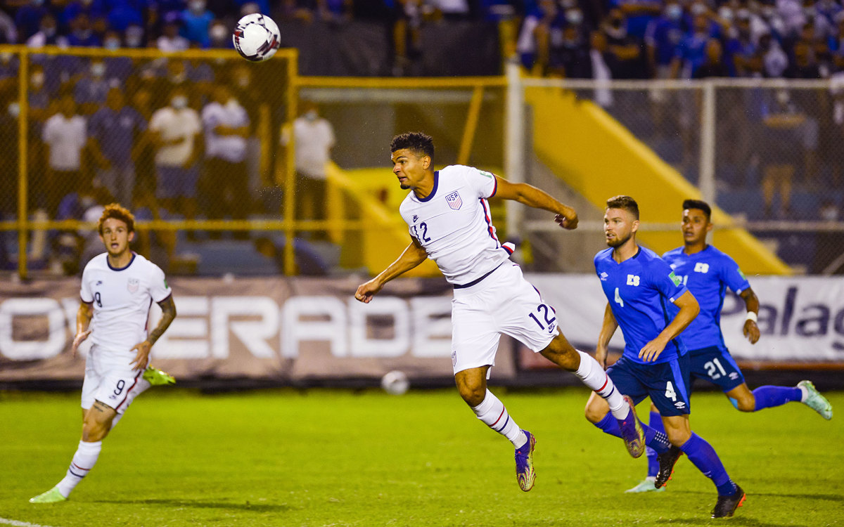 Miles Robinson nearly scores for the USMNT vs. El Salvador