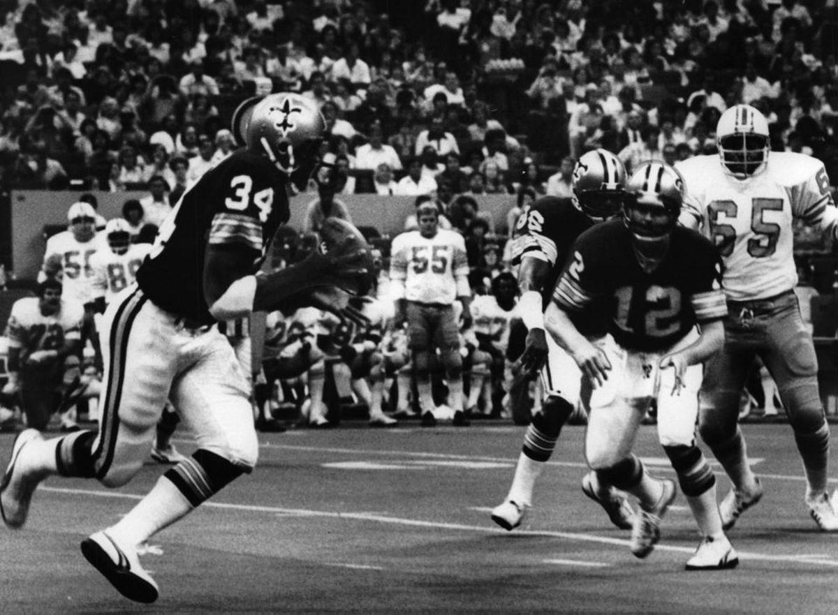 Former New Orleans Saints quarterback Bobby Scott (12). Credit: Nola.com