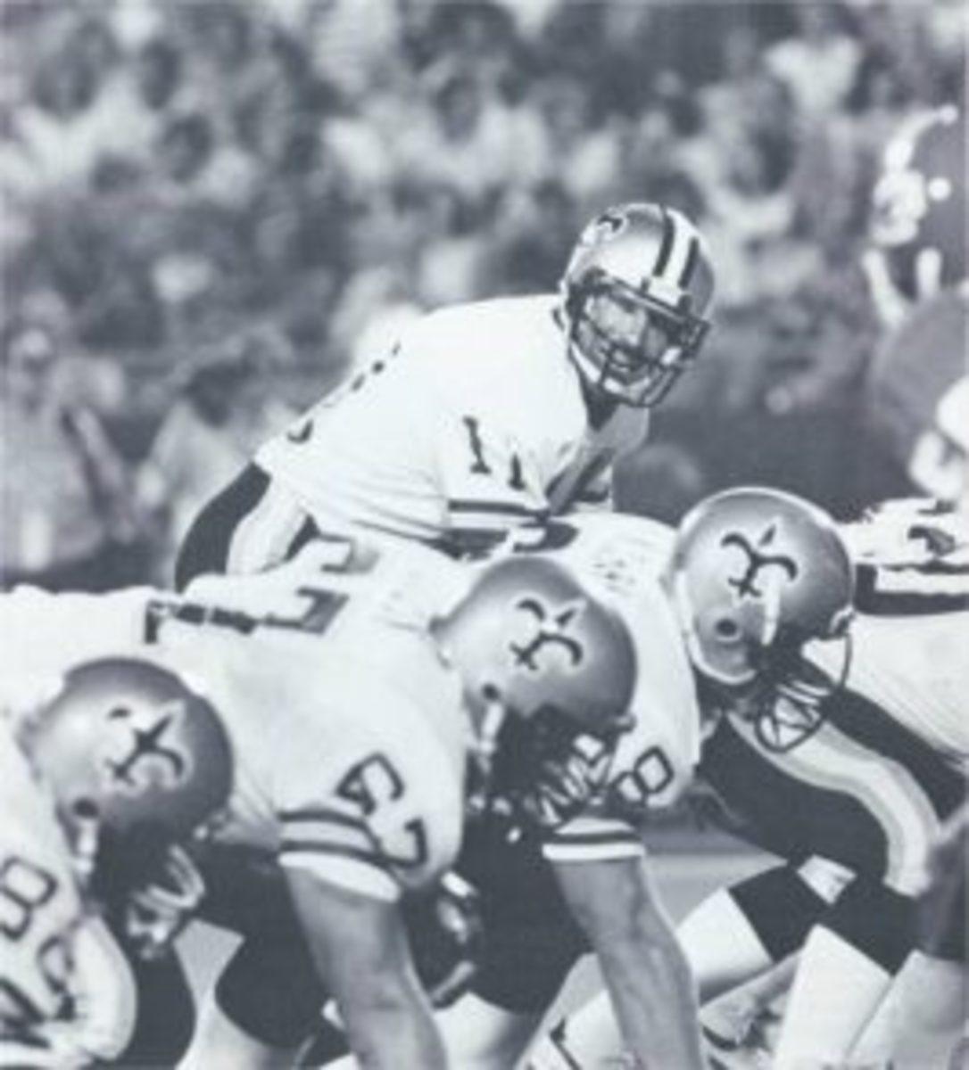 Former New Orleans Saints quarterback Richard Todd (11). Credit: nosaintshistory.com