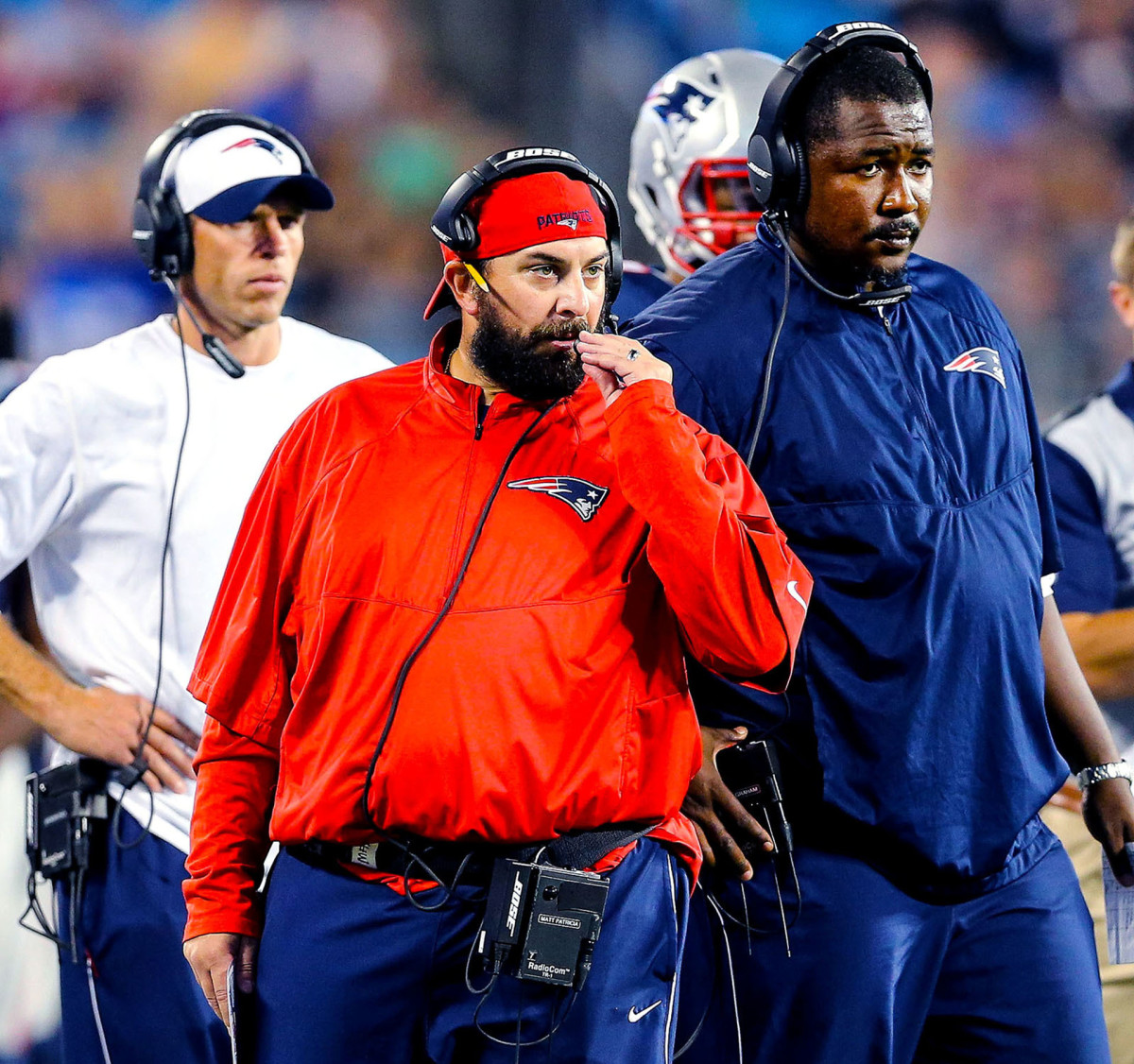 Matt Patricia and Patrick Graham on the sideline during a Patriots game