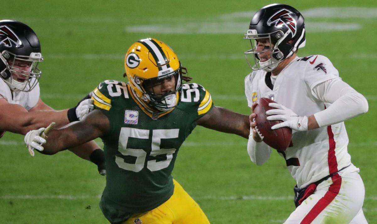 Green Bay Packers outside linebacker Za'Darius Smith (55) pressures Atlanta quarterback Matt Ryan (2).Mark Hoffman / Milwaukee Journal Sentinel via Imagn Content Services, LLC