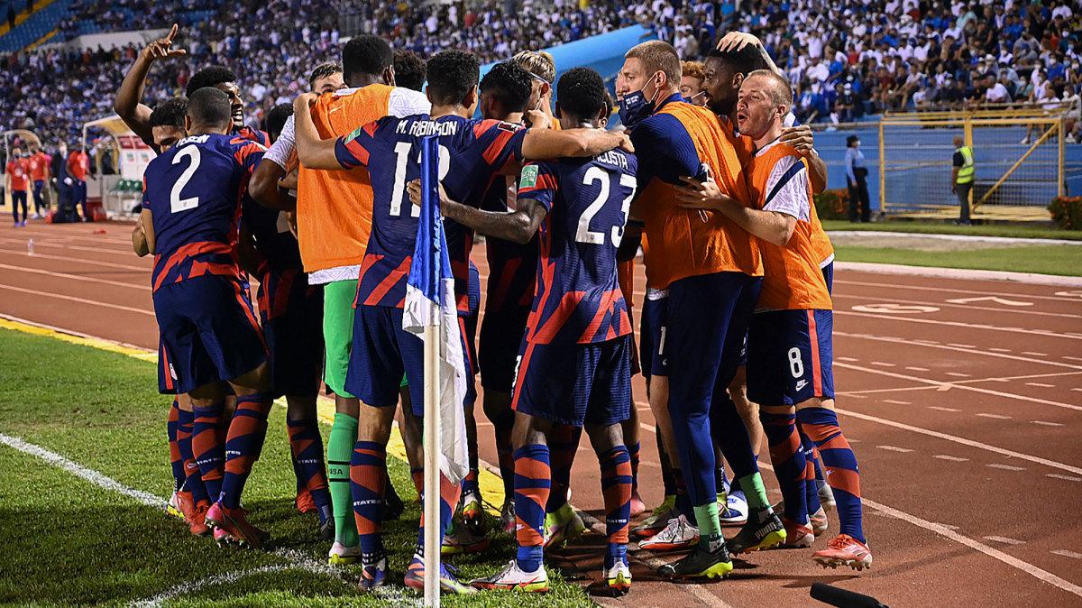 USMNT celebrates a goal vs. Honduras