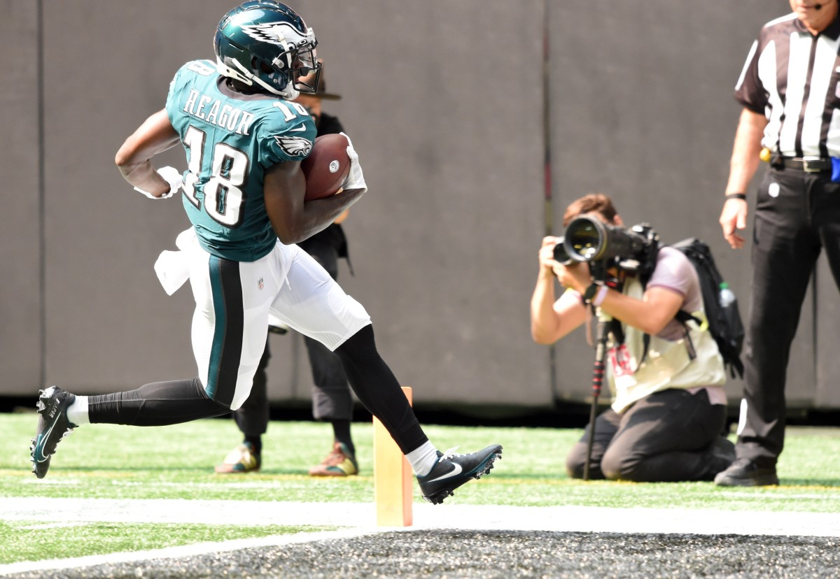 Jalen Reagor scores a TD on a 23-yard catch-and-run against the Falcons.