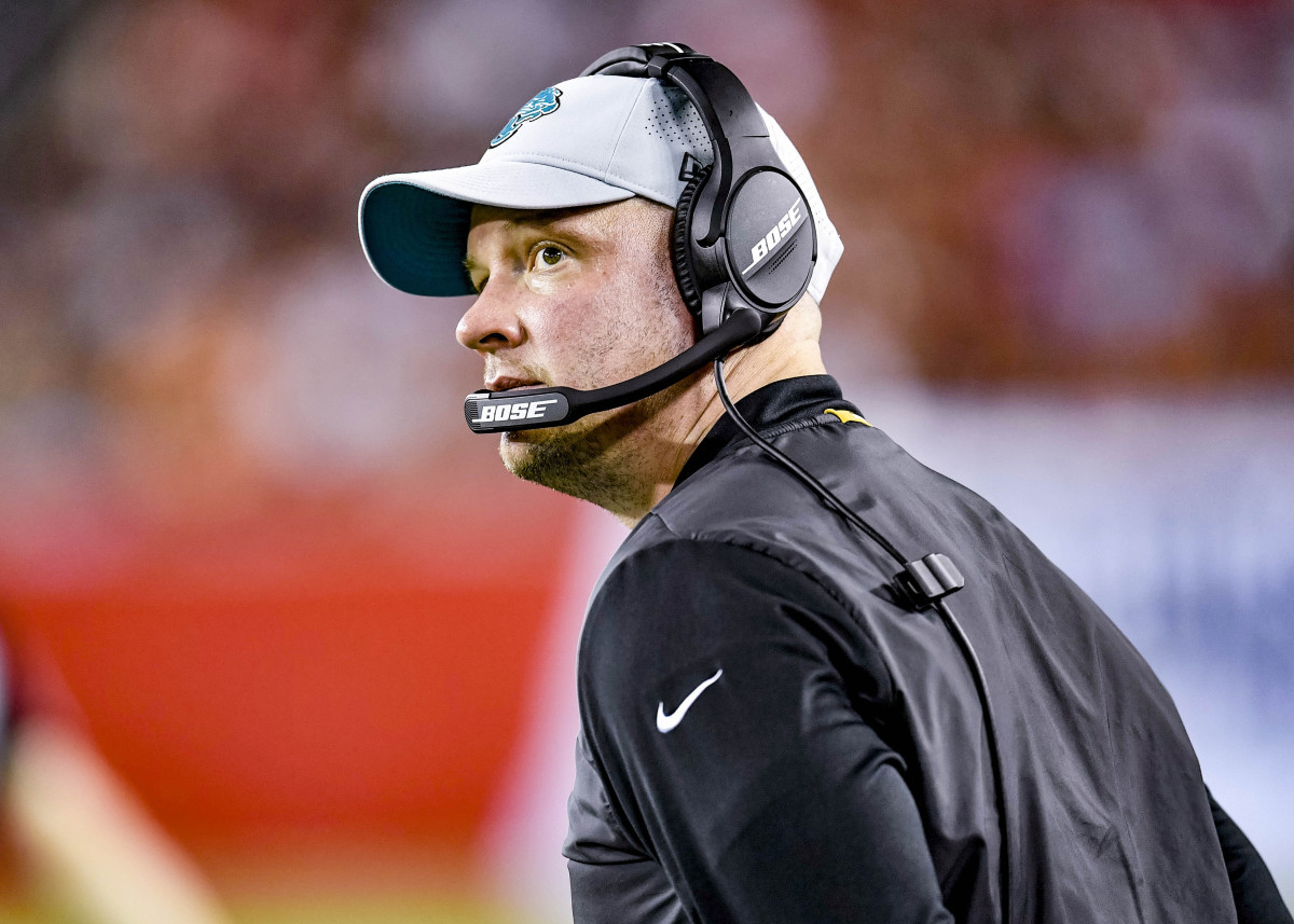 Nathaniel Hackett on the sideline during his time as Jaguars offensive coordinator