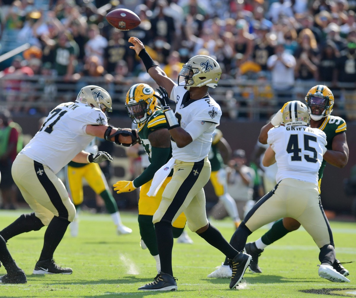New Orleans Saints quarterback Jameis Winston (2) launches a pass against the Green Bay Packers.Bob Self/Florida Times-Union via Imagn Content Services, LLC