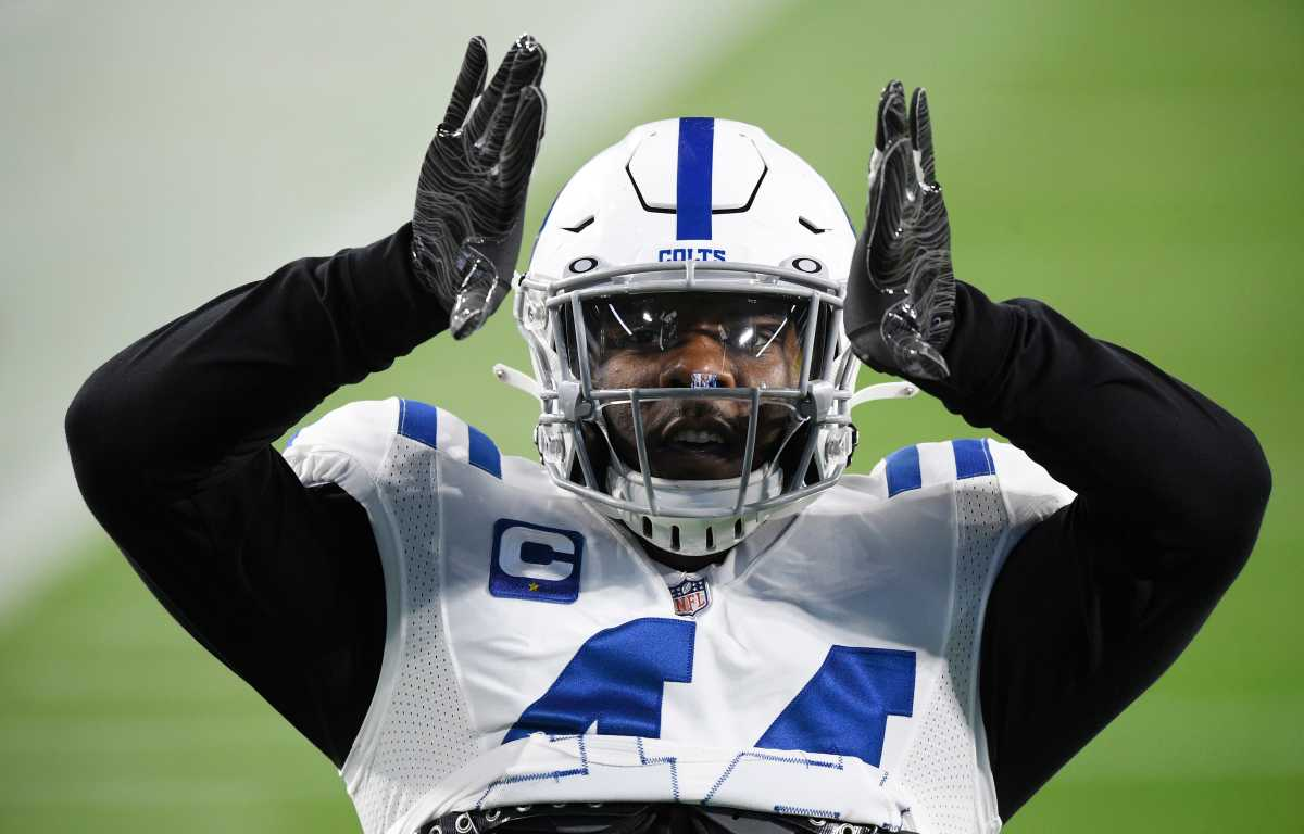Indianapolis Colts linebacker Zaire Franklin (44) gets ready before the game against the Tennessee Titans at Nissan Stadium Thursday, Nov. 12, 2020 in Nashville, Tenn.