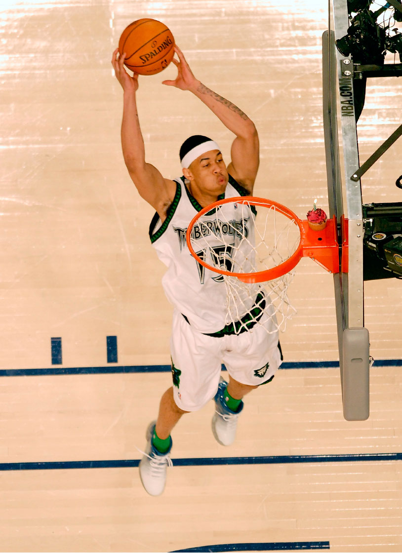 Learn to dunk i was 42 and 61 with small hands and one huge gerald green 2008 ccuart Choice Image